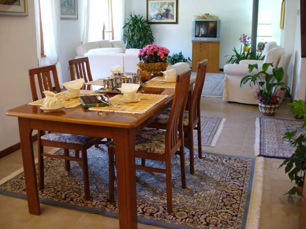 Dining room Bed and Breakfast Chez Franca to Rocca di Papa in the Roman Castles Rome